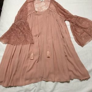 Umgee pink dress with lace sleeves
